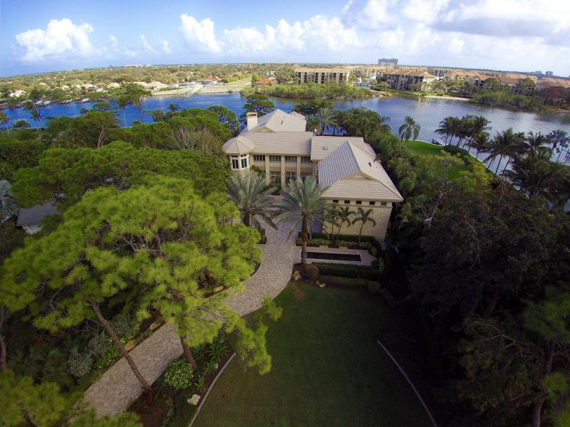 real estate fabulous waterfront home in palm beach gardens treasure
