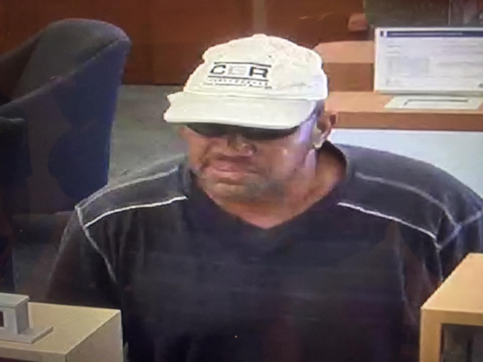 Vero Beach bank robber at large